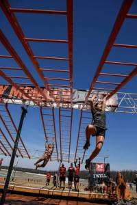 tough-mudder_funky-monkey_monkey-bars_sit-up_determination